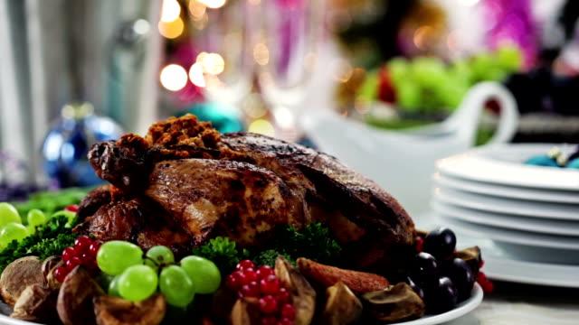 boże narodzenie turcja na obiad - indyk pieczony filmów i materiałów b-roll