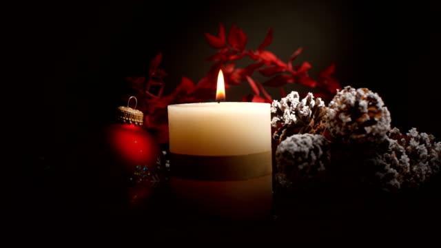 Weihnachten mit Dekoration und Kerze – Video