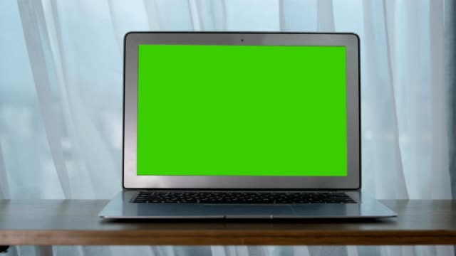 Chroma Key, bärbar dator på bordet video
