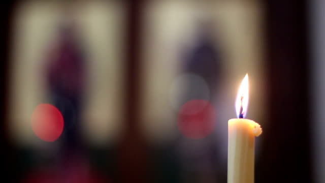 chiesa candele - candeliere video stock e b–roll