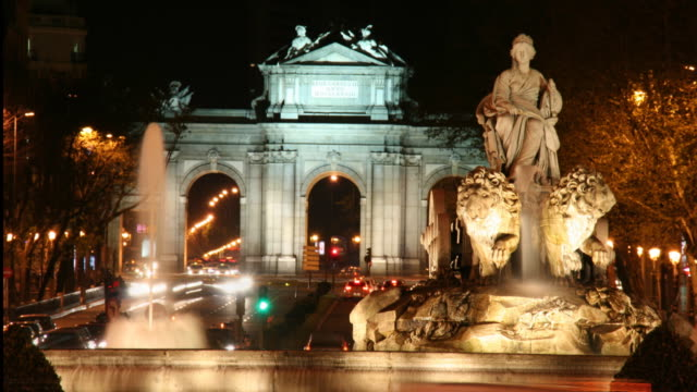 cibeles fountain time lapse - neoclassical architecture stock videos & royalty-free footage