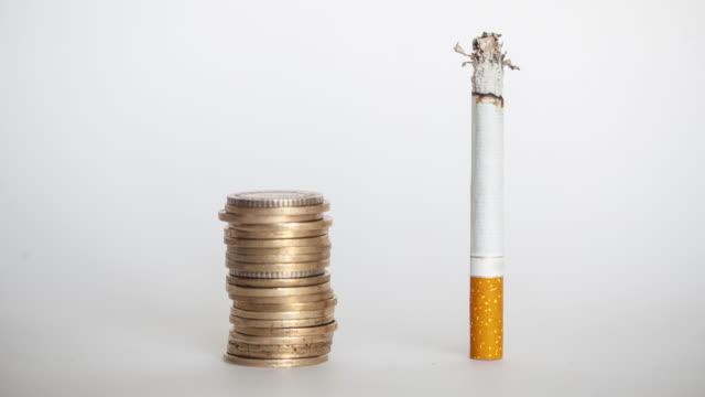 sigara maliyeti - nikotin stok videoları ve detay görüntü çekimi
