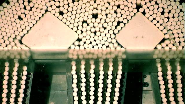 produzione di sigarette hd - sigaretta video stock e b–roll