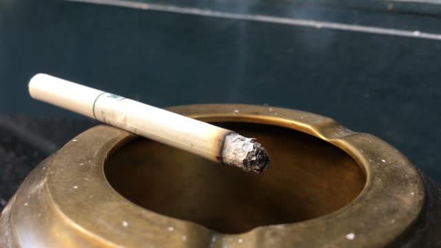 sigara - nikotin stok videoları ve detay görüntü çekimi