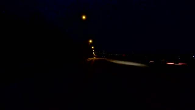 cincinnati ix synchronisiert serie rückansicht prozess platte nacht - asphalt stock-videos und b-roll-filmmaterial