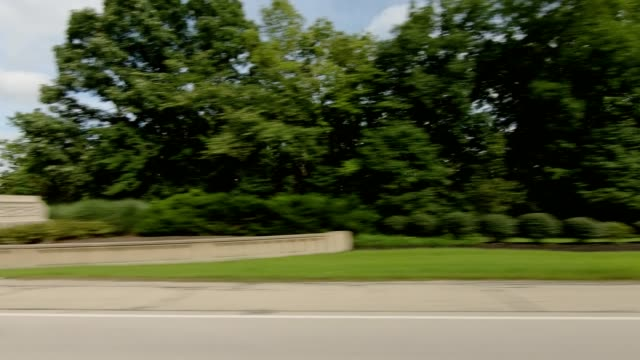 vídeos de stock e filmes b-roll de cincinnati xxi synched series right side driving studio process plate - car view
