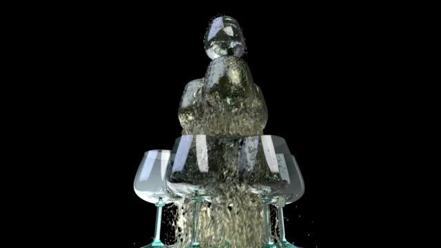 kretsande kameran runt pyramiden av glasögon. alpha chanel - martini bildbanksvideor och videomaterial från bakom kulisserna