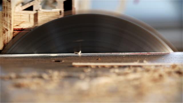 circular sawmill - sägemehl stock-videos und b-roll-filmmaterial