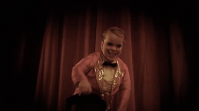 circus performer - circus stok videoları ve detay görüntü çekimi