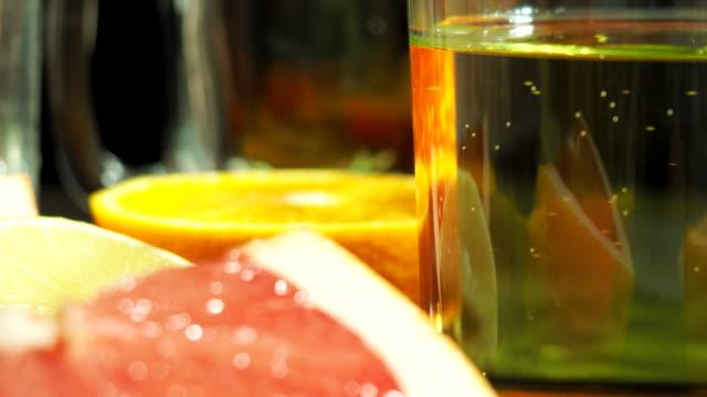 citrusfrukter och juice - konserveringsburk bildbanksvideor och videomaterial från bakom kulisserna