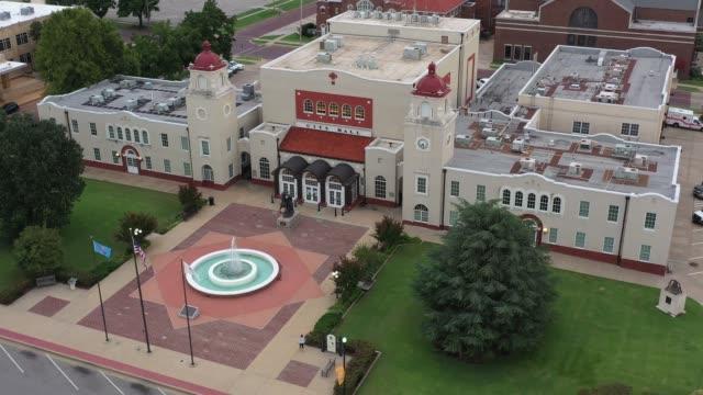 City Hall and front yard, Ponca City, Oklahoma, USA