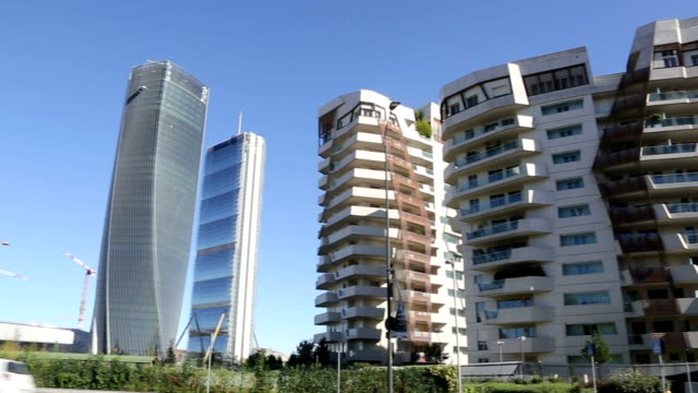 city life district in milan, italy - milan video stock e b–roll