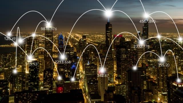 t/l td städtenetzwerk von chicago, vom sonnenuntergang bis nacht - smart city stock-videos und b-roll-filmmaterial