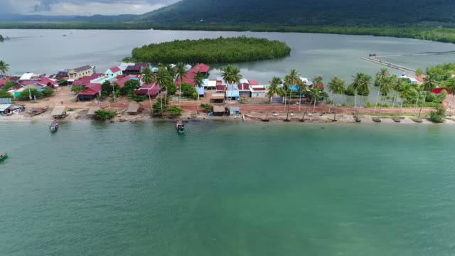 city of sihanoukville in cambodia from the sky - albero tropicale video stock e b–roll
