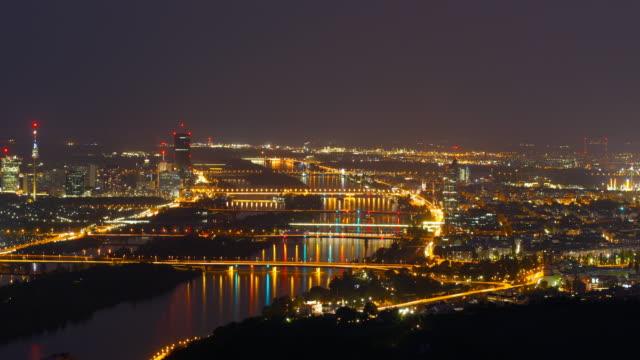 vídeos y material grabado en eventos de stock de ciudad de viena por la noche - austria