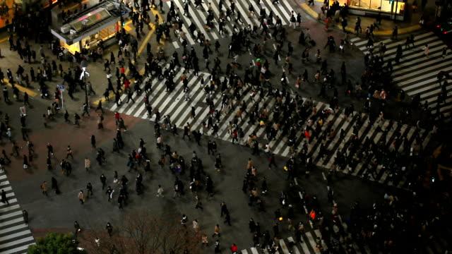 渋谷の東京の街の歩行者 - 交差点点の映像素材/bロール