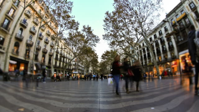City Pedestrian Traffic Time Lapse Barcelona - vídeo