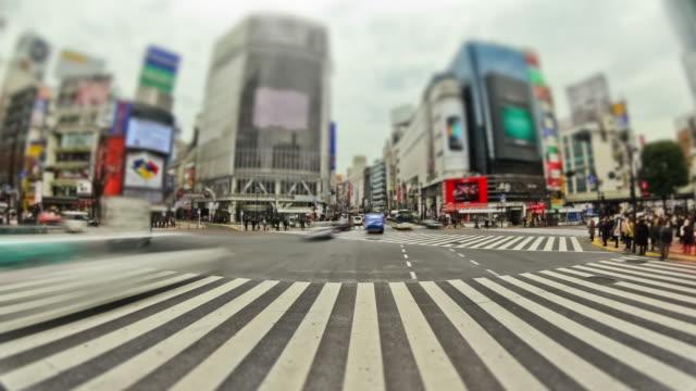 街の歩行者のタイムラプス東京の渋谷 fisheye - 広角撮影点の映像素材/bロール