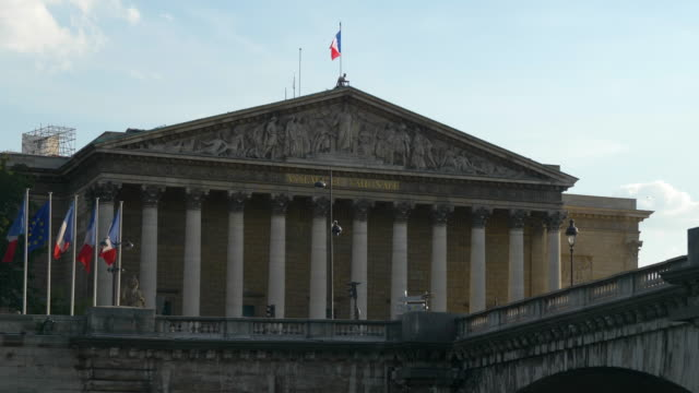 cityscape - assemblee nationale in paris - francja filmów i materiałów b-roll