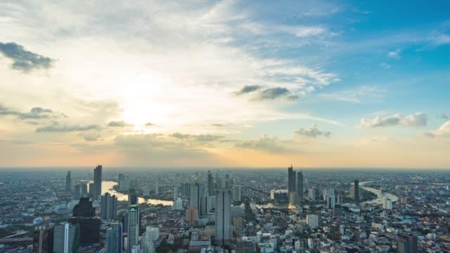 nehir, tayland, time lapse video güzel eğrisi ile bangkok şehir cityscape - bangkok stok videoları ve detay görüntü çekimi