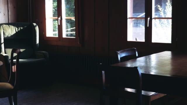 stockvideo's en b-roll-footage met klassieke 20e eeuw meubilair in zwitserse huis - breakfast table