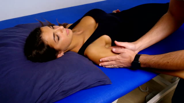clavicle massage: physiotherapist controls the patient's clavicle video