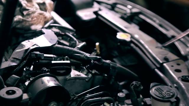 rengöring bilmotor - surf garage bildbanksvideor och videomaterial från bakom kulisserna