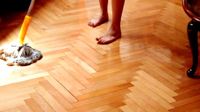 Cleaning hardwood floor video