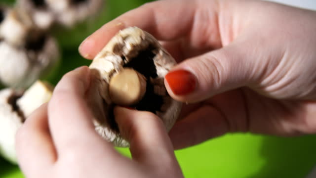 cleaning wild mushroom with kitchen knife video
