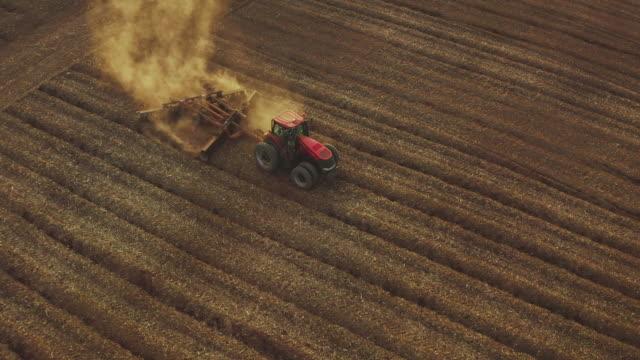 vídeos de stock e filmes b-roll de climate change drought - rancho quinta