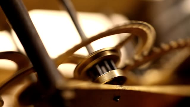 時計機構の動作 - 錆びている点の映像素材/bロール