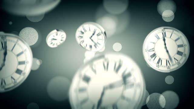 vídeos de stock, filmes e b-roll de relógios caindo - calendário