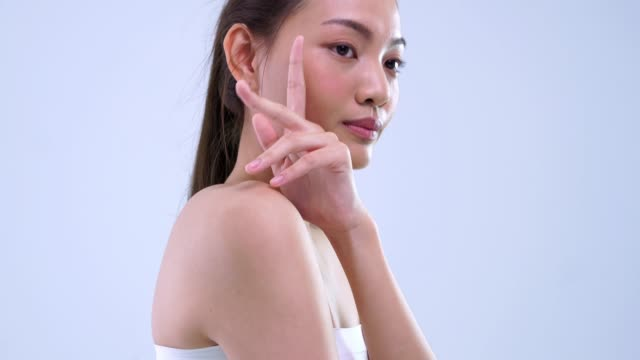 vídeos de stock, filmes e b-roll de feche acima e o tiro da inclinação apresenta a pele saudável - coreia