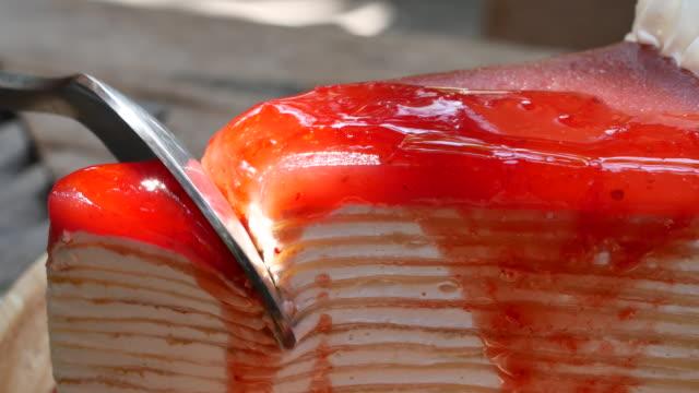Close up Cutting cake video