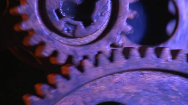 geaes のクローズアップ動作 - 錆びている点の映像素材/bロール