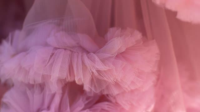 närbild av rosa boll klänning - aftonklänning bildbanksvideor och videomaterial från bakom kulisserna