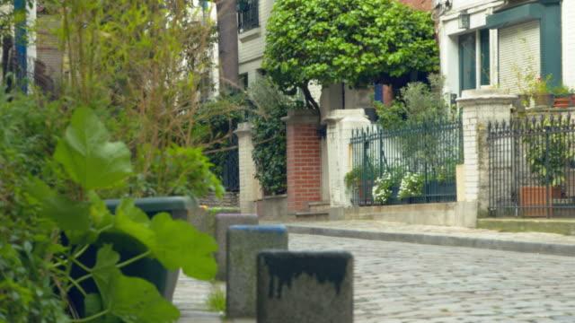 närbild på villa léandre - montmatre utsikt bildbanksvideor och videomaterial från bakom kulisserna