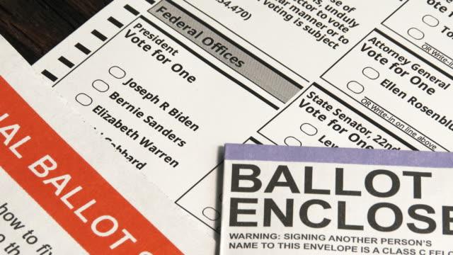 zbliżenie na głosowanie podczas kandydowania na prezydencję - bernie sanders filmów i materiałów b-roll