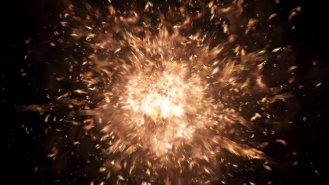 крупным планом реалистичные 4 k бластов и взрывы альфа - spark стоковые видео и кадры b-roll