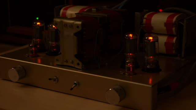 Best Tube Amplifier Stock Videos and Royalty-Free Footage - iStock