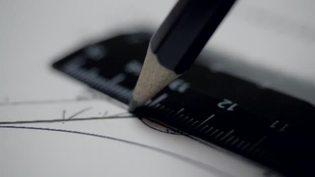nära vylinje ritad med penna och linjal på ritning - blyertspenna bildbanksvideor och videomaterial från bakom kulisserna
