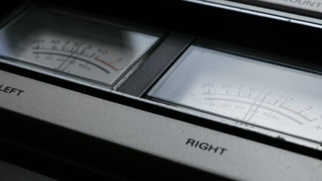 close-up needles of standard volume level indicator 4k - analogiczny filmów i materiałów b-roll