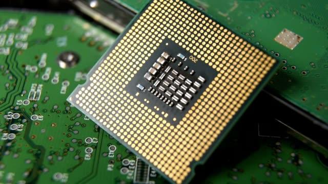 cpu コンピューター プロセッサのクローズ アップ。 - 半導体点の映像素材/bロール