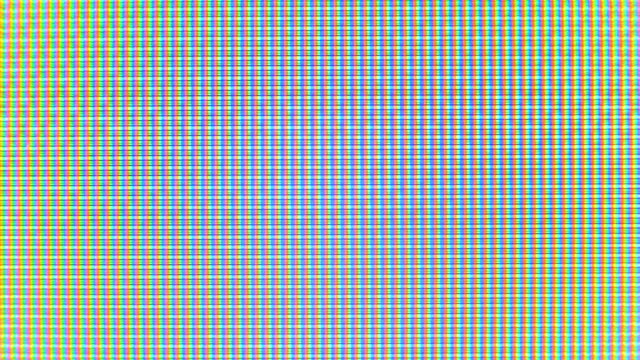 vídeos de stock, filmes e b-roll de close-up dos pixels do monitor - led