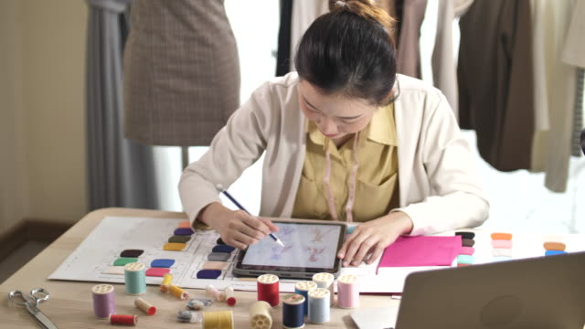 Clothing Designer using Digital tablet