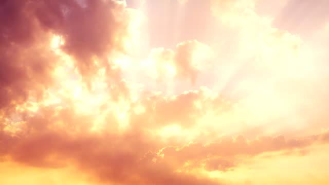 vídeos de stock, filmes e b-roll de nuvem no céu na manhã - só céu