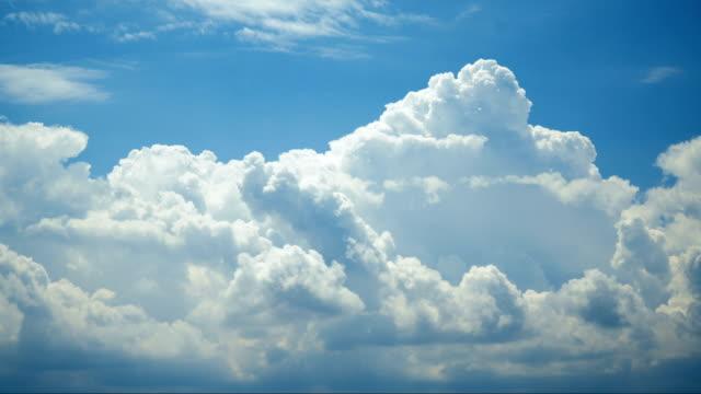雲タイムラプス - 層積雲点の映像素材/bロール