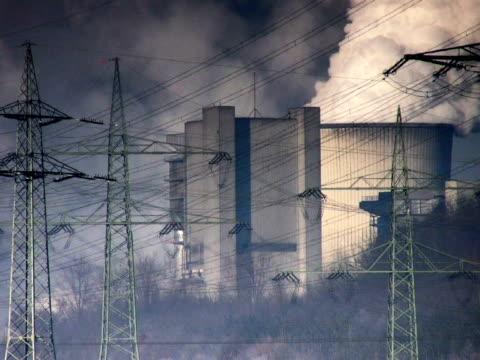 pal: centrale elettrica a carbone - attrezzatura energetica video stock e b–roll