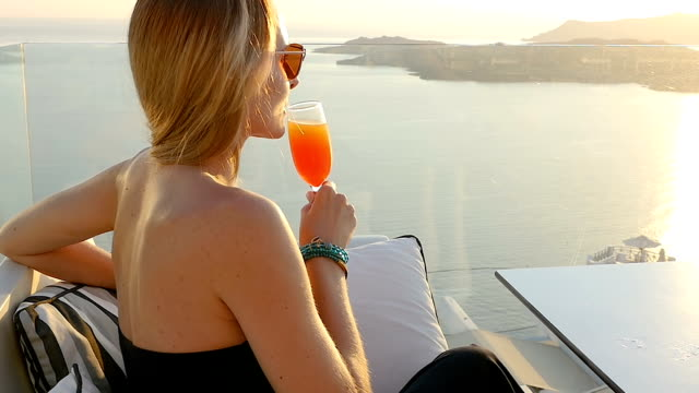 Cocktail & famous Santorini view video