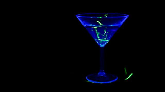 cocktail - martini video stock e b–roll